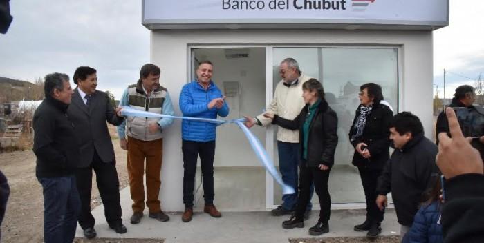 Banco del chubut sigue ampliando su red de cajeros ya son 121 for Cuales son los cajeros red
